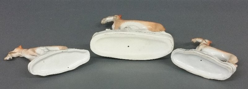 Pair of Staffordshire greyhounds, 19th c., 7 ½ inches - 2