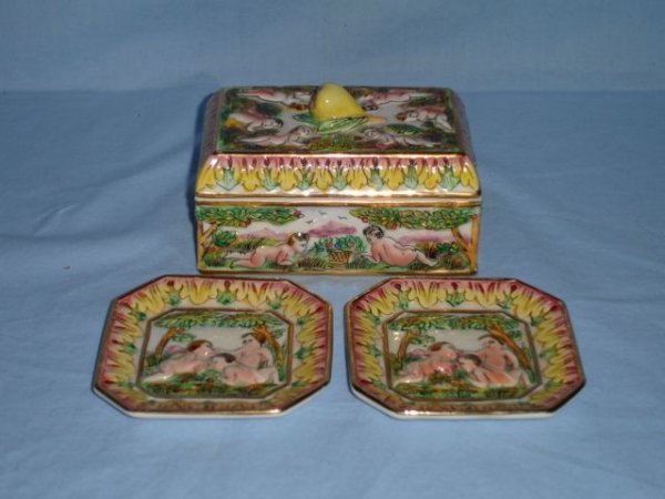6: Capodimonte dresser box and two pin trays