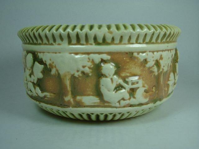 10: Roseville Donatello bowl