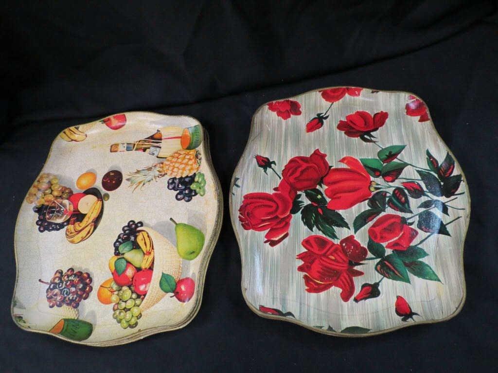 24: Set of six vintage fiberglass trays (two patterns)