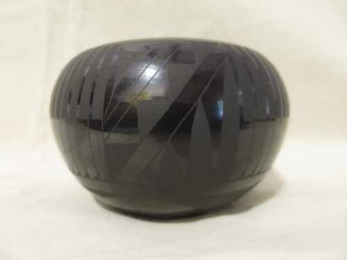 Black Navajo style pottery signed Merton w Laud 11-03,