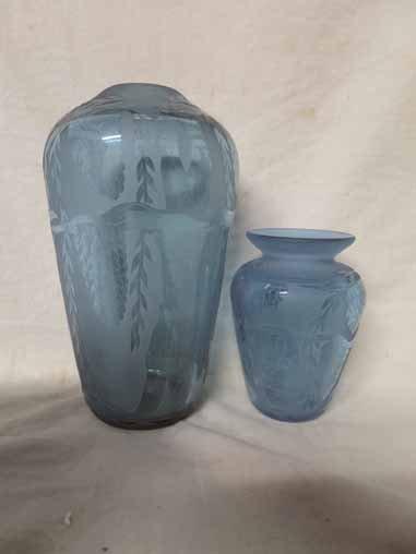 2 Vandermark vases with leaf designs.