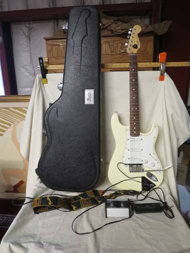 Fender Strat Electric Cream Guitar with nice Fender
