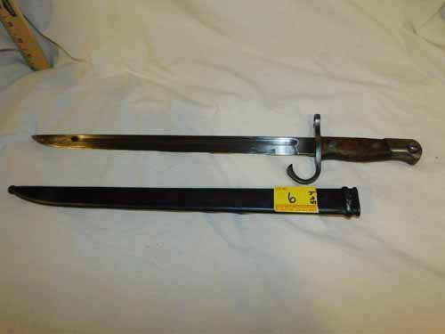 Japanese WW11 Bayonet, with case
