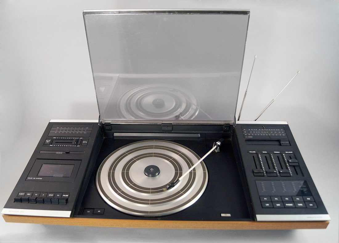 A Bang and Olufsen Beocenter 2000 music centre,