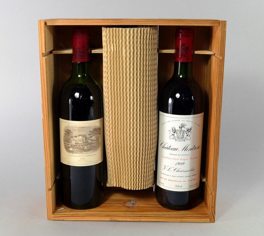 A bottle of Chateau Lafitte Rotheschild 1983, ullages