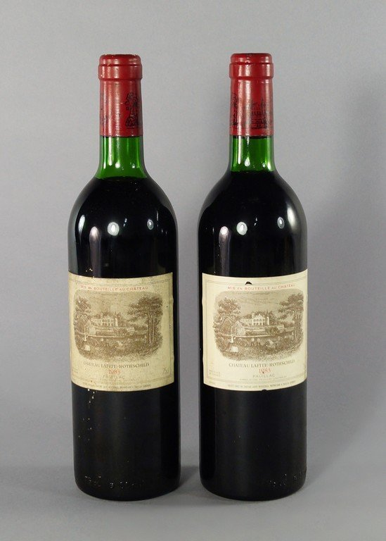 Two bottles of Chateau Lafite Rotheschild 1983, ullages
