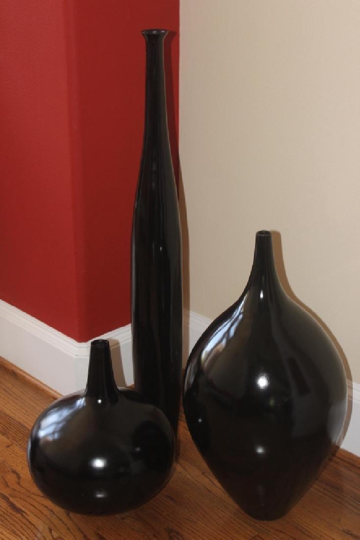 Set of 3 black vases