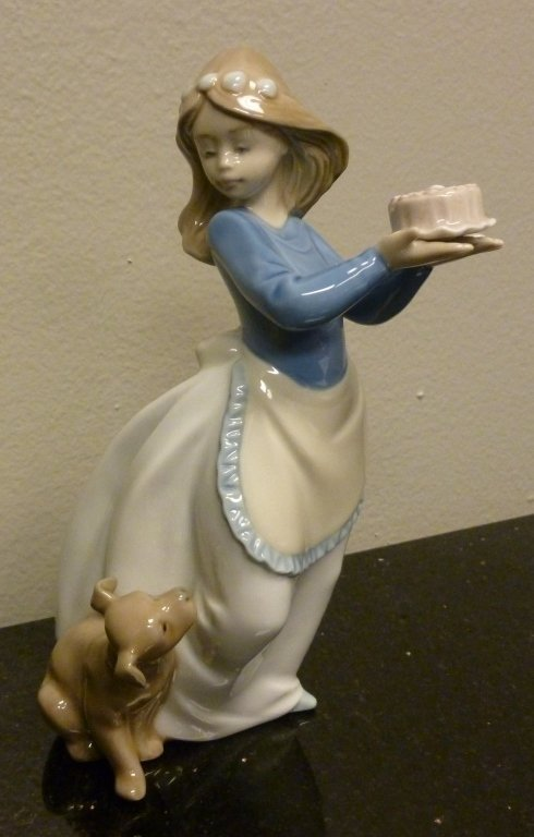 NAO by Lladro Daisa 1987 Birthday Girl
