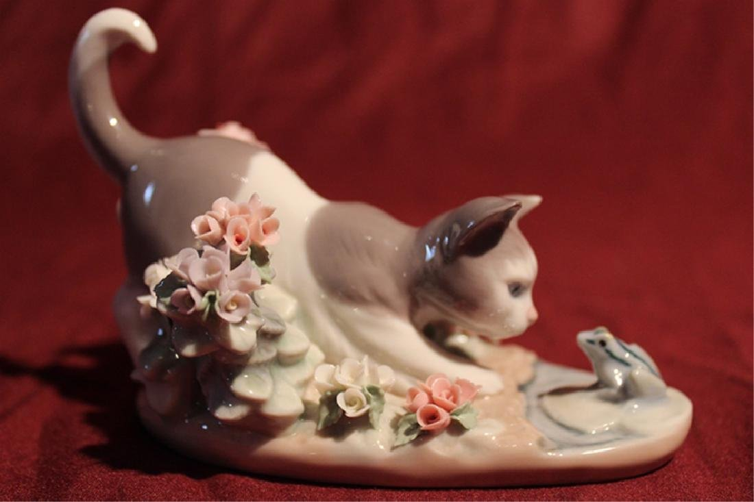 Lladro Spain Kitten and Frog - 4