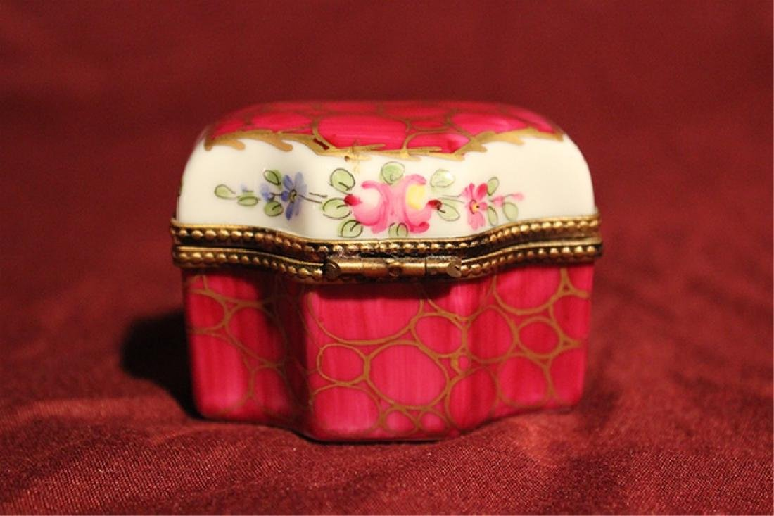 Hand Painted Limoges Pill Box with Mini Bottles - 4