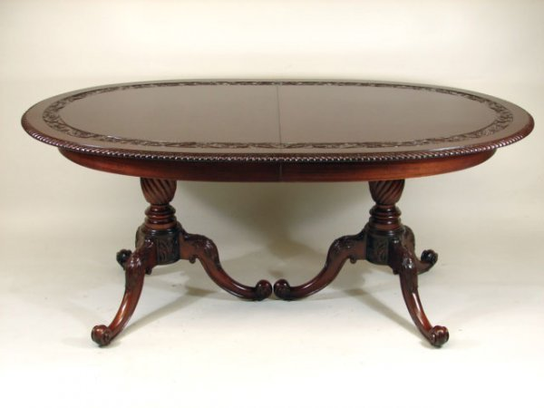 1047: Formal Dining Table