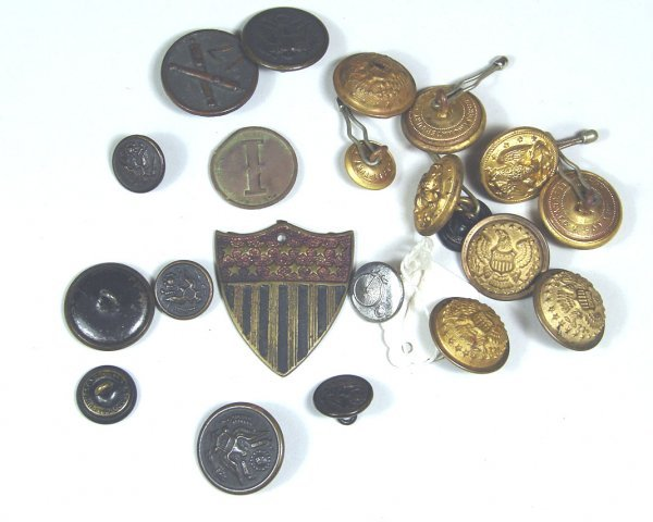 2: Lot of US Military Buttons