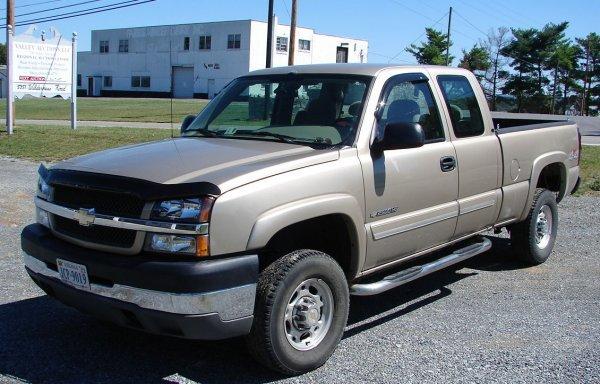 400: 2004 Chevrolet Silverado 2500 HD LS