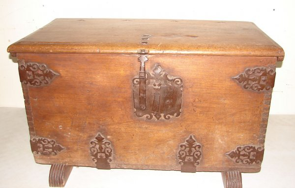 418: Early European Blanket Chest with Till