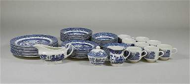 50 Pieces of Churchill Blue Willow