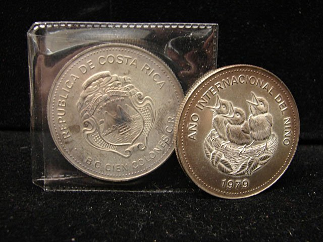 Two 1979 One Hundred Colonies Costa Rica Coins
