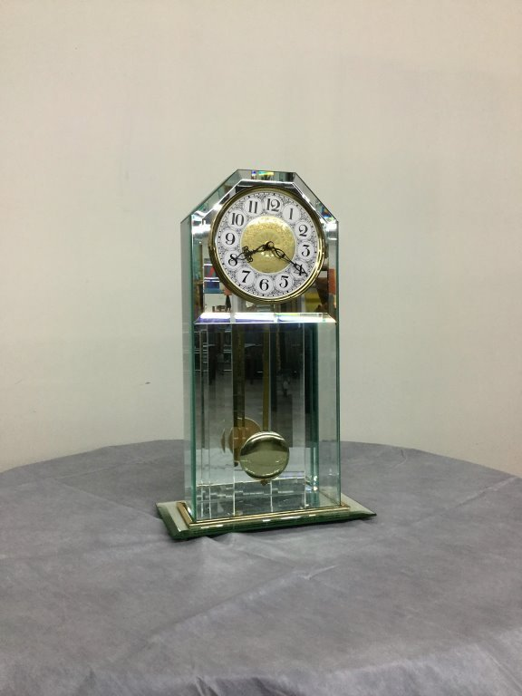 MIRRORED BATTER OPERATED CLOCK