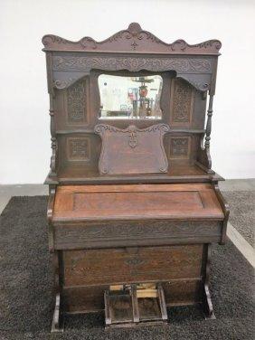 Antq Oak Pump Organ