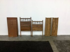 Child/doll Antique Bed