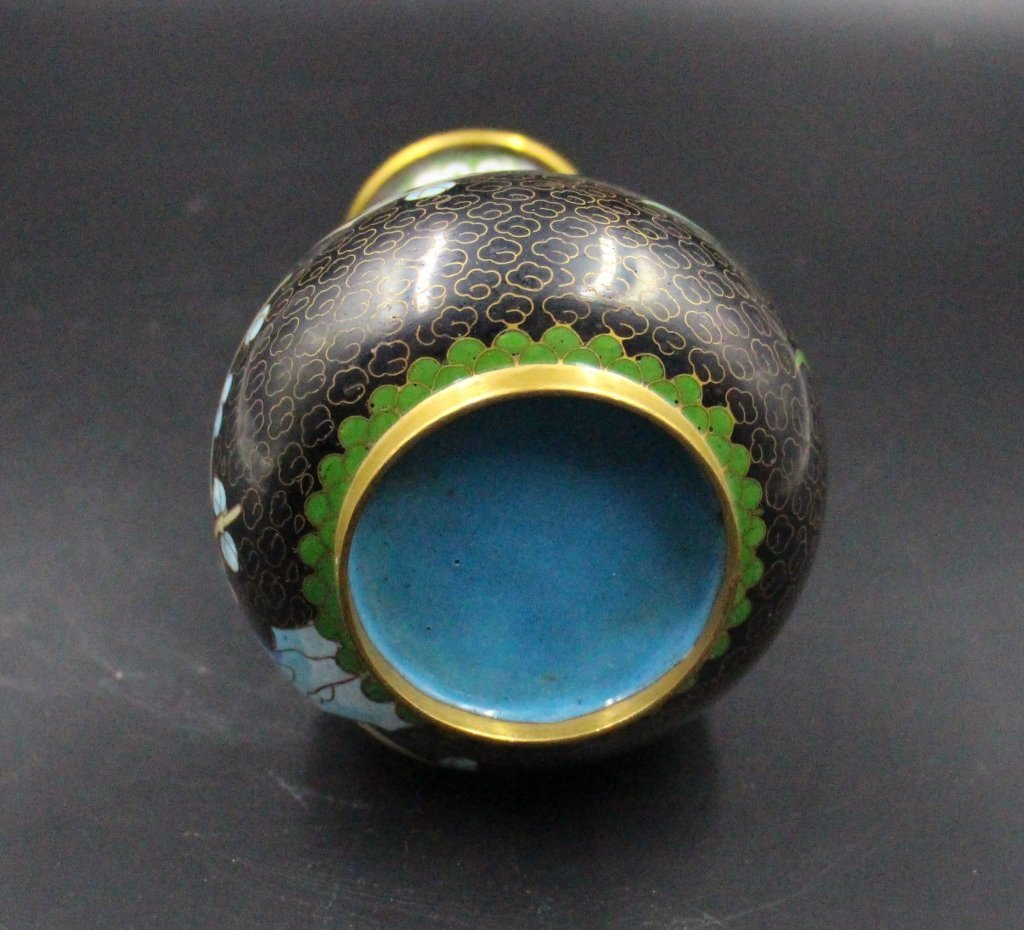 Fine Chinese Qing Dynasty Cloisonne Vase - 5