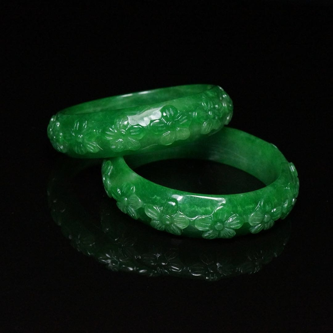 Pair of Chinese Qing Dynasty Jade Bracelets - 6