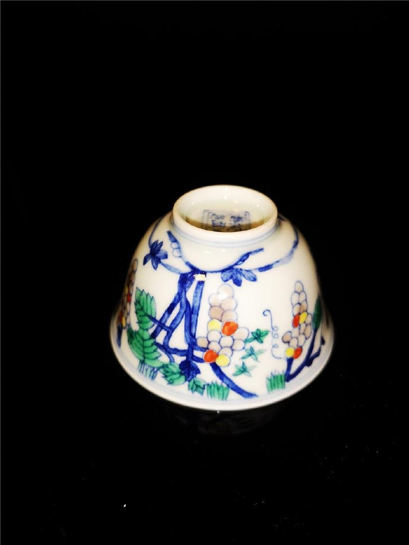Pair of Chinese Dou cai  Porcelain Cups - 5