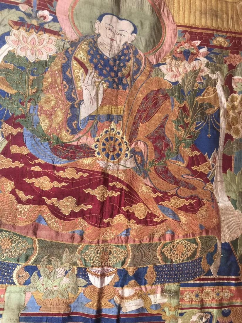 LARGE QING DYNASTY SILK EMBROIDERY THANGKA - 3