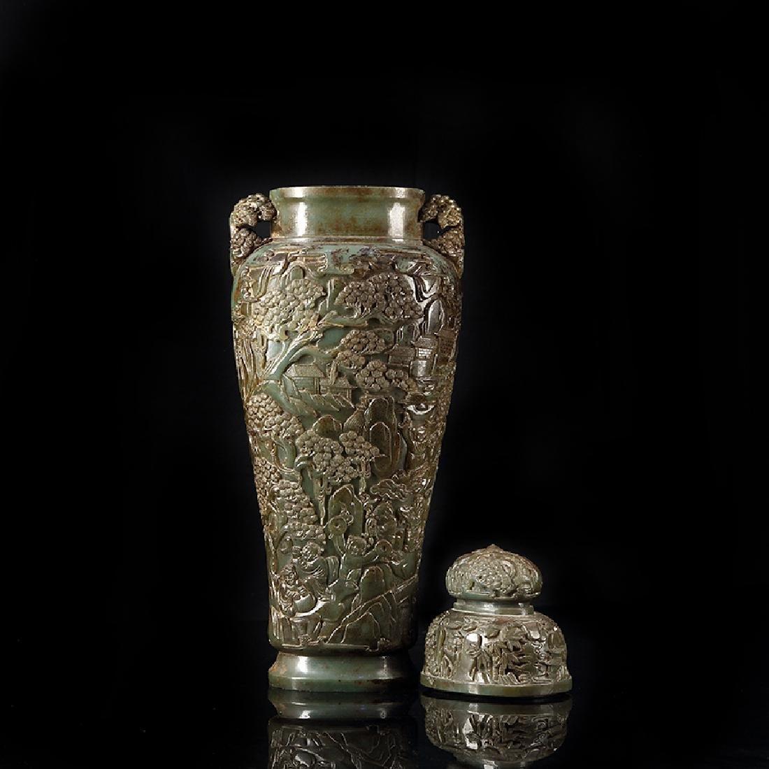 Large Chinese Qing Dynasty Hetian Jade  Vase - 3
