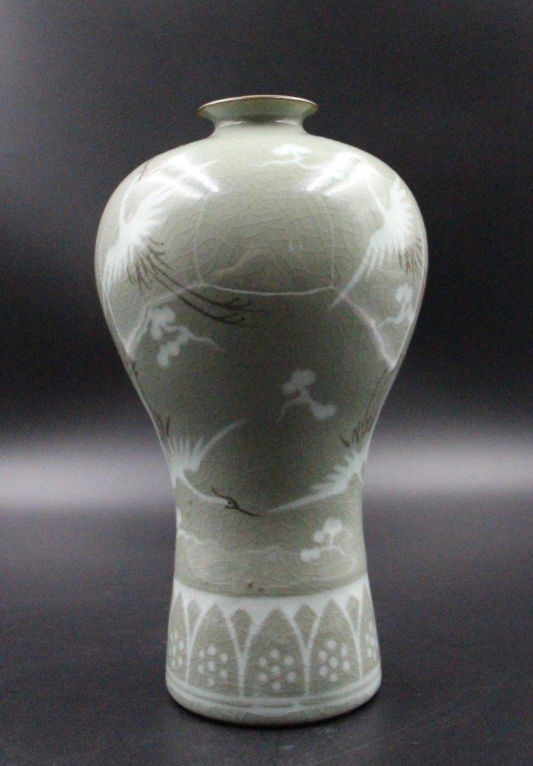 Korean celadon jar decorated with cranes - 4