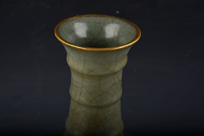 A Chinese Song-dynasty guan Yao Porcelain Vase - 4