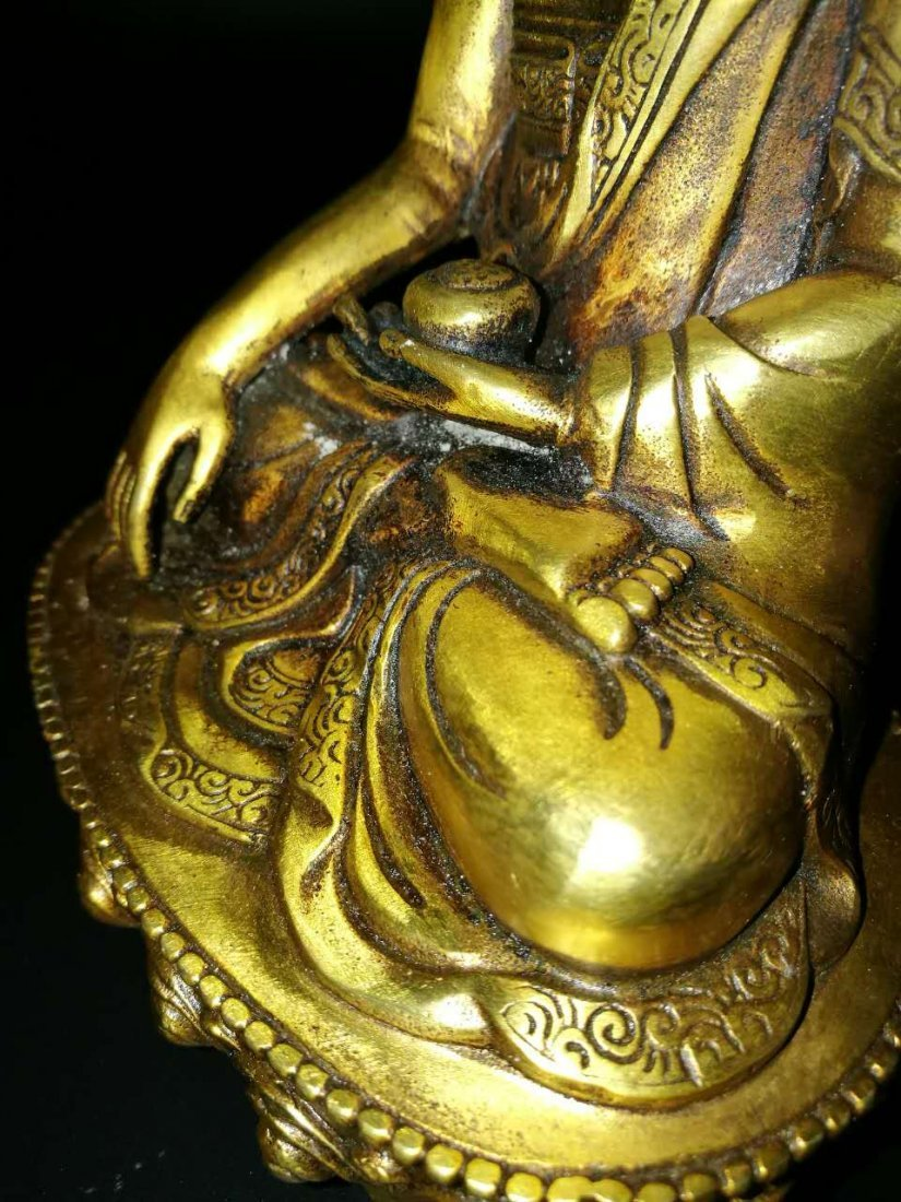 A Chinese Antique Bronze Buddha - 5