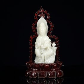 Chinese Hetian Jade Guan Yin In The Qing Dynasty