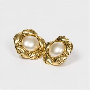 Chanel Rare Vintage Flower Clip Earrings Earrings