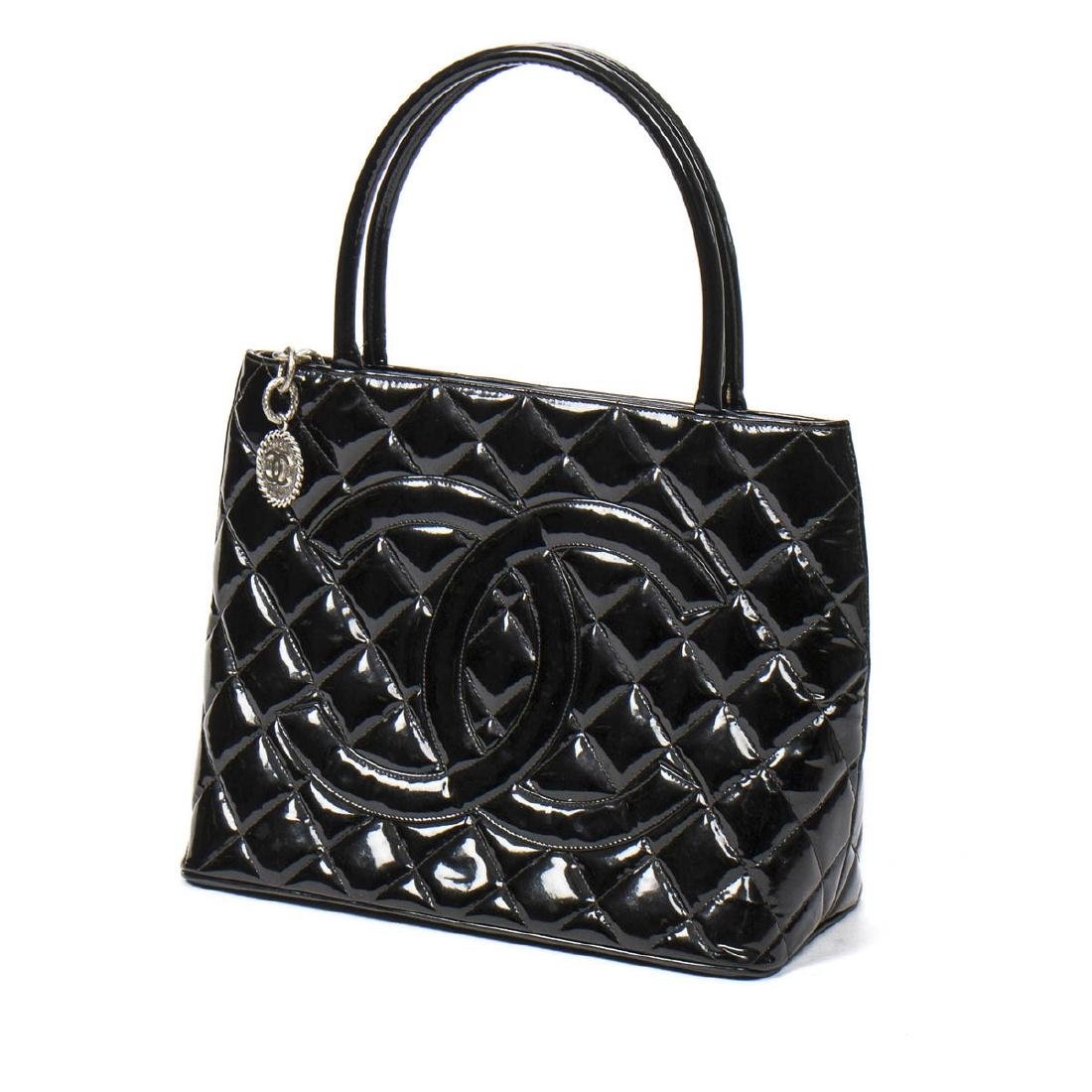 Chanel Medallion in Black Patent Quilted Leather - 2