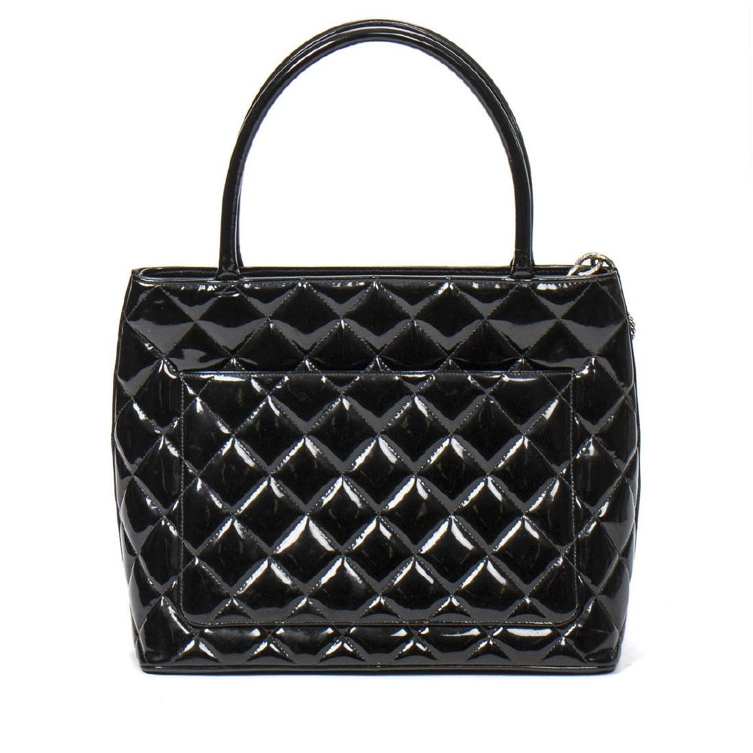 Chanel Medallion in Black Patent Quilted Leather - 5