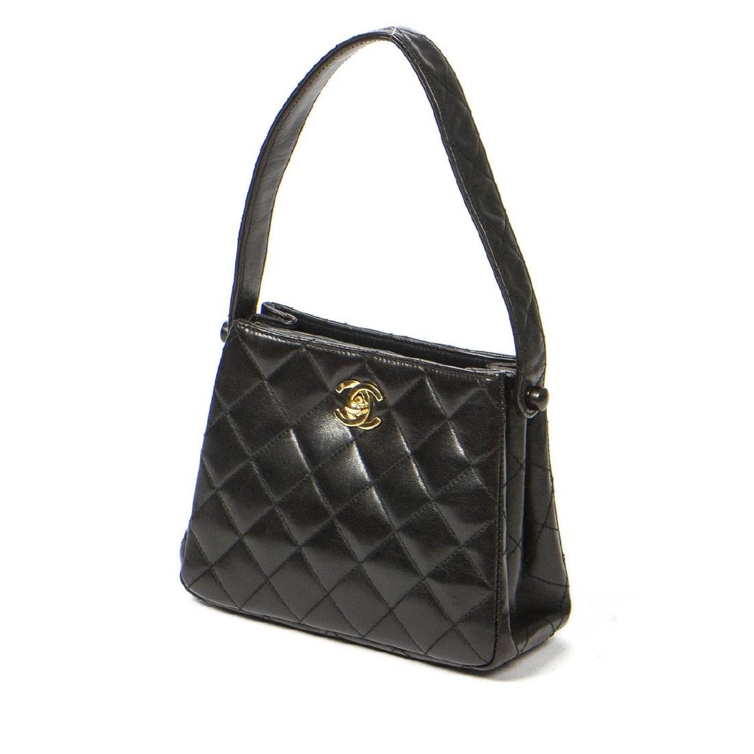 Chanel Small Handbag in Black Quilted leather - 2