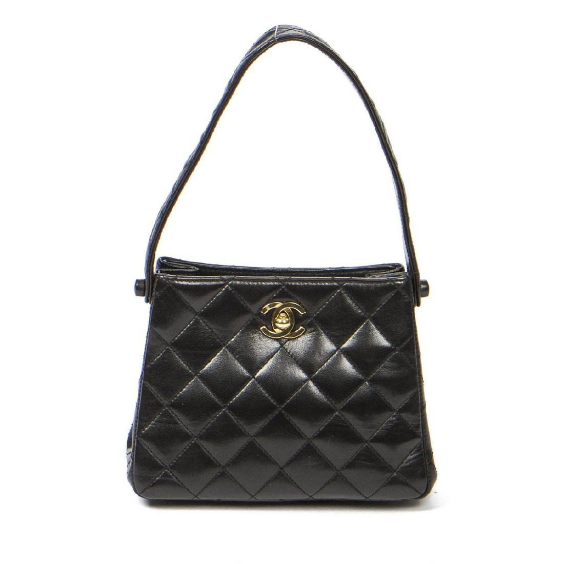Chanel Small Handbag in Black Quilted leather - 5