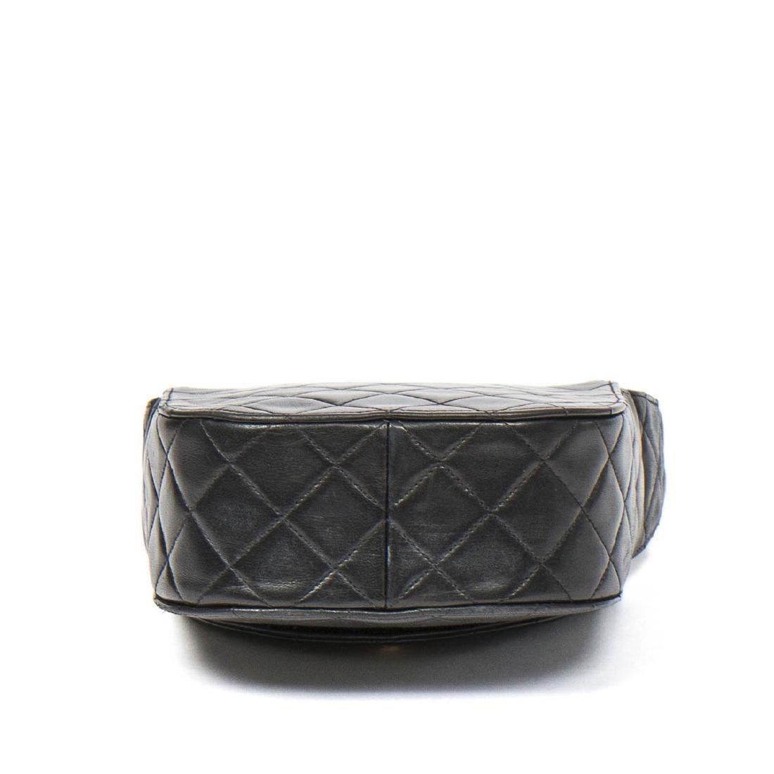 Chanel Make up Hand Bag in Black Quilted Leather - 6