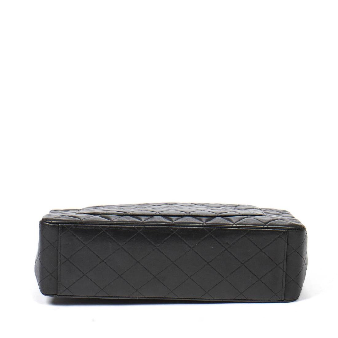 Chanel Maxi Jumbo in Black Quilted Leather - 6