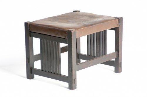 20: GUSTAV STICKLEY Footstool with spindled sides