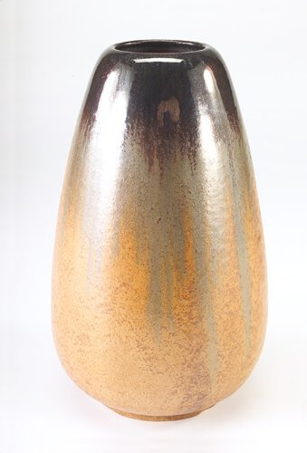 16: FULPER Tall tear-shaped vase covered in exceptional