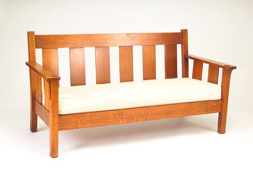 512: STICKLEY BROTHES Drop-arm settle with corbels and