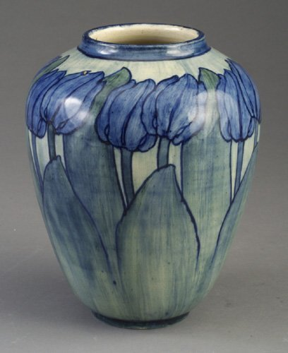 1: Exceptional NEWCOMB COLLEGE early vase pai