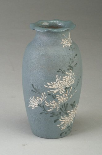 22: Rare and early ROOKWOOD vase with ruffled