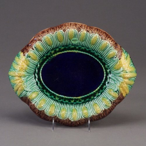522: English majolica bread tray, c. 1870, wi