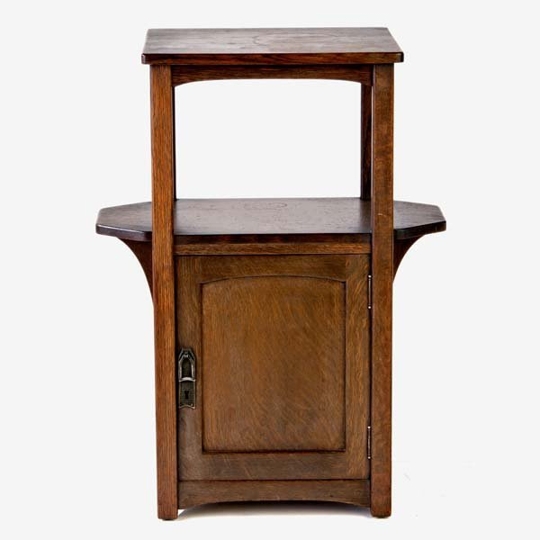 """522: LIFETIME Puritan Line small cabinet. Unmarked. 28"""""""