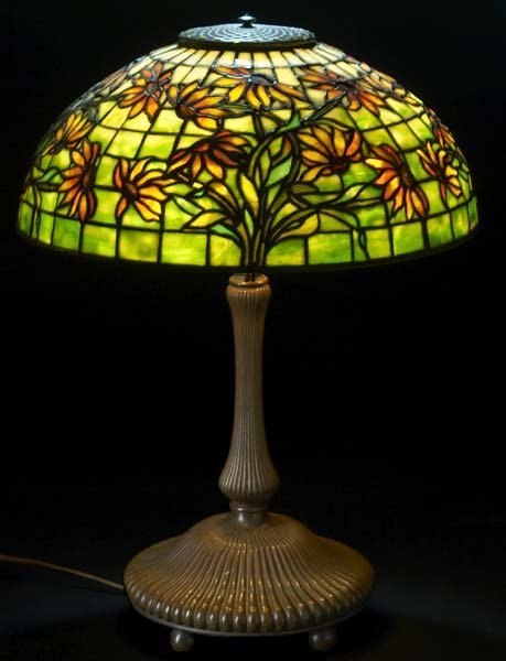 15: TIFFANY STUDIOS Black Eyed Susan table lamp on a th