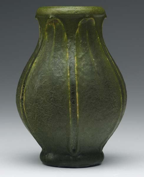 15: GRUEBY Bulbous vase with full-height leaves
