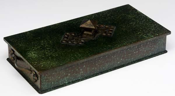 502: ROYCROFT Hammered copper cigarette box
